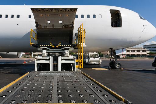 cargo-goinginto-plane